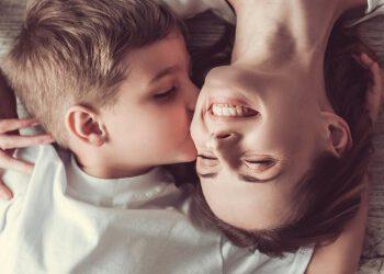 Crear un buen vínculo con tu hijo para evitar la dependencia emocional
